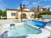 Holiday home 967490 for 8 persons in Empuriabrava