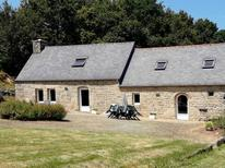 Villa 968167 per 6 persone in Plounévez-Moëdec
