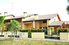 Semesterlägenhet 969983 för 6 personer i Lido delle Nazioni