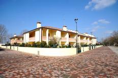 Ferienwohnung 969986 für 6 Personen in Lido delle Nazioni