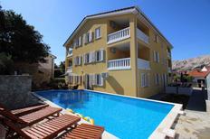 Appartement 970987 voor 4 personen in Baška