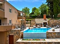 Ferienhaus 972662 für 8 Erwachsene + 2 Kinder in Omiš