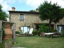 Ferienwohnung 973725 für 2 Erwachsene + 2 Kinder in Gambassi Terme