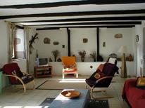 Ferienhaus 975180 für 6 Erwachsene + 2 Kinder in Saint-Coulitz
