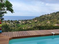 Ferienhaus 976325 für 8 Personen in Hyères
