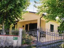 Ferienhaus 976826 für 5 Personen in Capanne-Prato-Cinquale