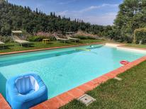 Ferienwohnung 976856 für 4 Personen in Castelfranco di Sopra