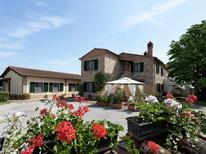 Appartement 976867 voor 6 personen in Foiano della Chiana