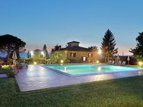Ferienwohnung 976966 für 4 Personen in San Donato Fronzano