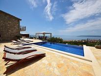 Ferienhaus 981037 für 8 Personen in Makarska