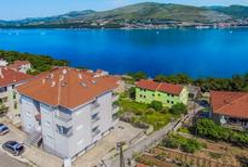 Semesterlägenhet 981170 för 4 personer i Okrug Donji
