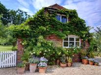 Holiday home 981888 for 2 persons in Tenterden