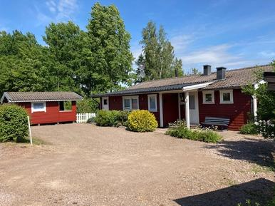 Holiday home 982797 for 4 adults + 4 children in Tibro