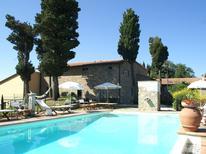 Appartement 983930 voor 6 personen in Montecarelli
