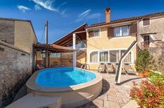 Vakantiehuis 984165 voor 4 volwassenen + 2 kinderen in Višnjan