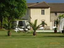 Holiday home 985894 for 10 persons in Carignano di Lucca