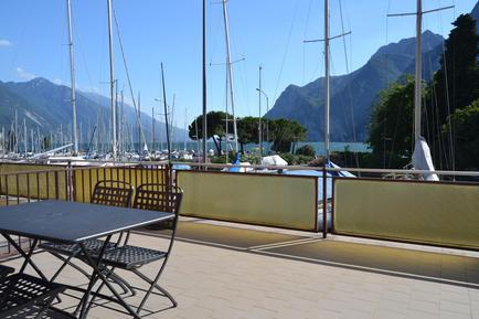 Studio 986131 for 2 adults + 2 children in Riva del Garda