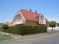 Appartement 986536 voor 5 personen in Balatonlelle
